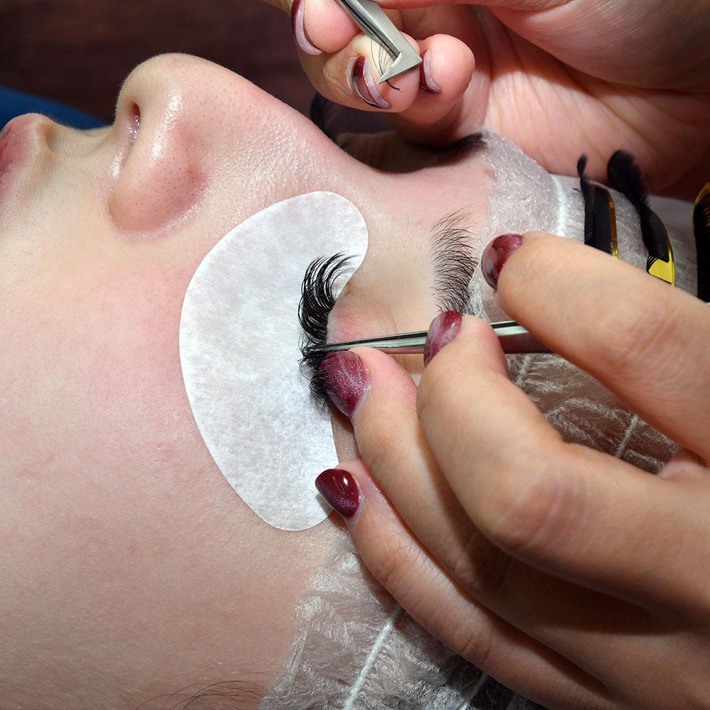 Afrina Russian Eyelash Extension Course
