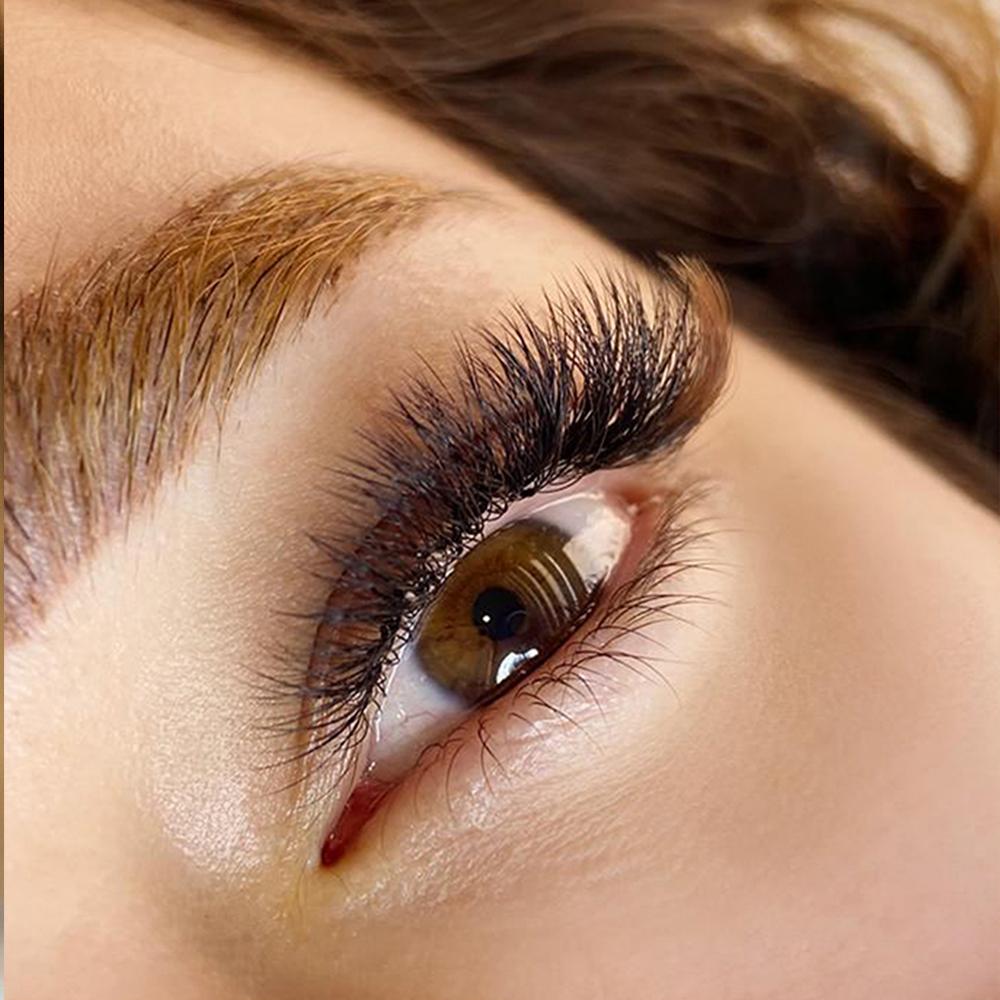 Advanced Russian Eyelash Extension