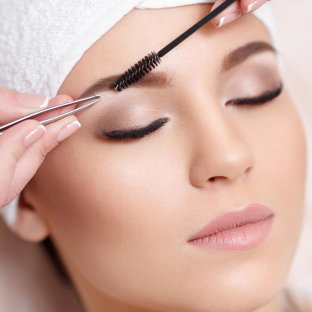 Afrina Eyebrow Extension Course