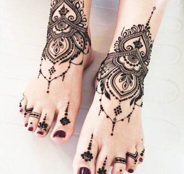Arabic Henna feet